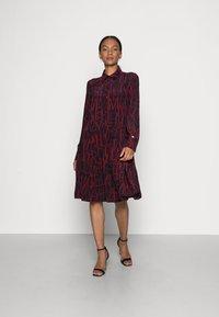 Tommy Hilfiger - KNEE DRESS BRACELET - Shirt dress - regatta red - 0