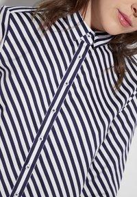 Eterna - MODERN FIT - Button-down blouse - navy blue/white - 2