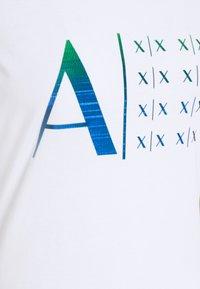 Armani Exchange - Print T-shirt - optic white - 2