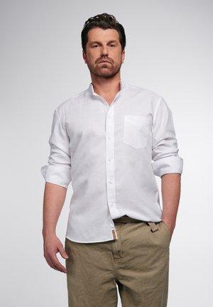 REGULAR FIT - Shirt - weiß