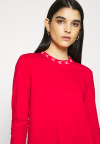 Calvin Klein Jeans - LOGO TRIM TEE - Long sleeved top - red hot - 3