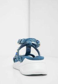 Desigual - Sandales compensées - blue - 4