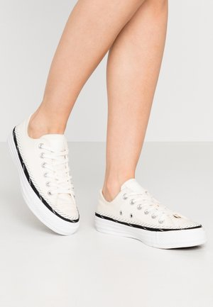 CHUCK TAYLOR ALL STAR - Sneakers laag - egret/black/white