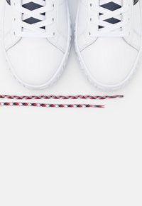 Tommy Jeans - Sneakers basse - red/white/blue - 5
