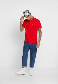 Tommy Jeans - CLASSICS SOLID - Polo - racing red - 1