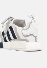 adidas Originals - NMD R1 UNISEX - Trainers - white/crew navy/grey two - 4