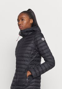 Luhta - LUHTA EIRALA - Down coat - black - 3