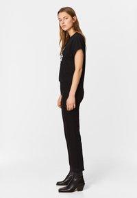 Bimba Y Lola - BOOTCUT  - Jeans Bootcut - black - 3