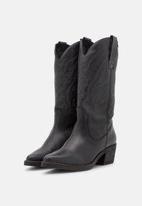 mtng - TEO - Cowboystøvler - black - 2