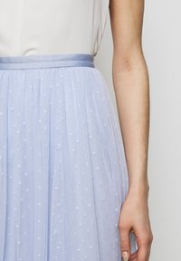 Needle & Thread - KISSES MIDAXI SKIRT - A-line skirt - wedgewood blue - 3
