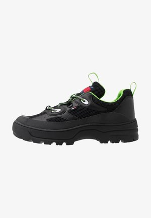 EXPEDITION SHOE - Sneakers laag - black