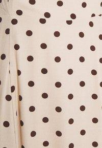 Object - OBJELLIE LONG STRAP DRESS  - Denní šaty - sandshell - 2
