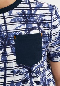 WE Fashion - MET STREEP- EN PALMBOOMDESSIN - Print T-shirt - blue - 1