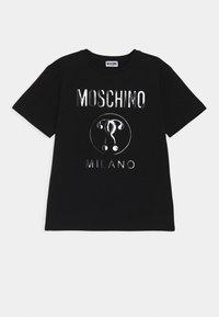 MOSCHINO - MAXI UNISEX - Print T-shirt - black - 0