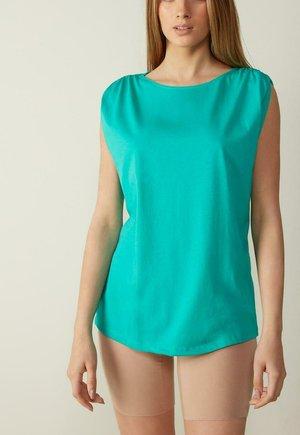 SUPIMA - Top - green emerald