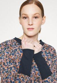 Nümph - NUNIKOLA SWEAT - Sweatshirt - multi-coloured - 0