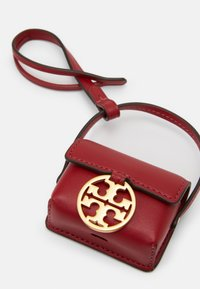 Tory Burch - MILLER AIRPODS CASE - Other - redstone - 3