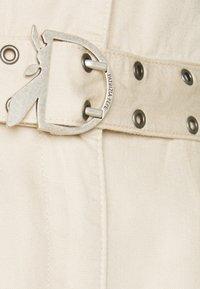 Patrizia Pepe - PANTALONI TROUSERS - Cargo trousers - doll beige - 2