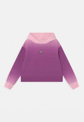 ESSENTIALS BOXY - Bluza z kapturem - hyper violet