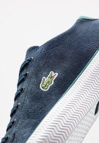 Lacoste - LACOSTE - DAMEN SPORTSWEAR SCHUHE - Sneakersy niskie - nyv/grn - 6