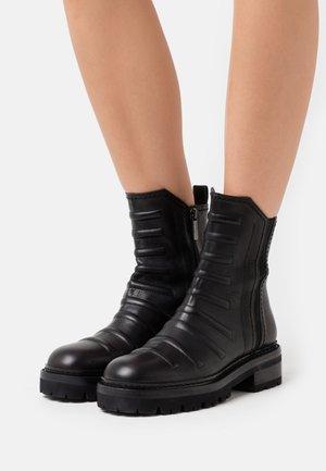 DAYANA - Kotníkové boty - black