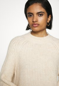 Monki - SONJA - Jumper - white dusty light - 6