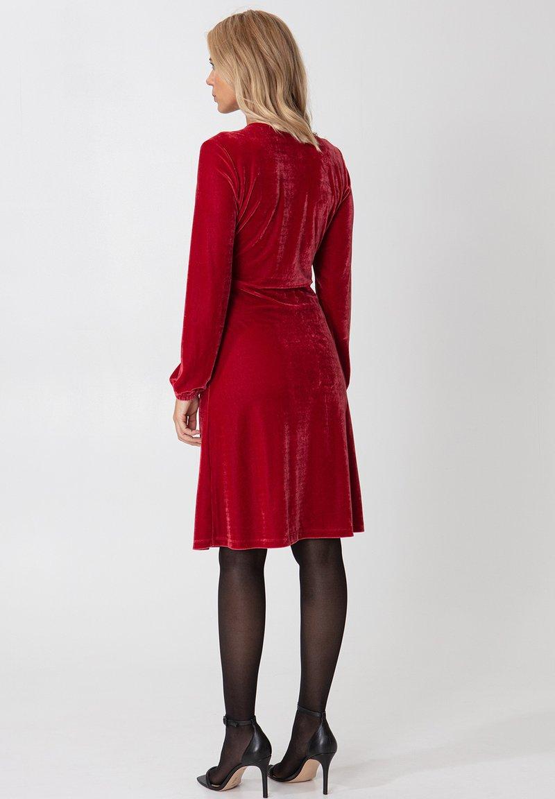 Indiska OLIVETTA - Cocktailkleid/festliches Kleid - red/rot mAarKL