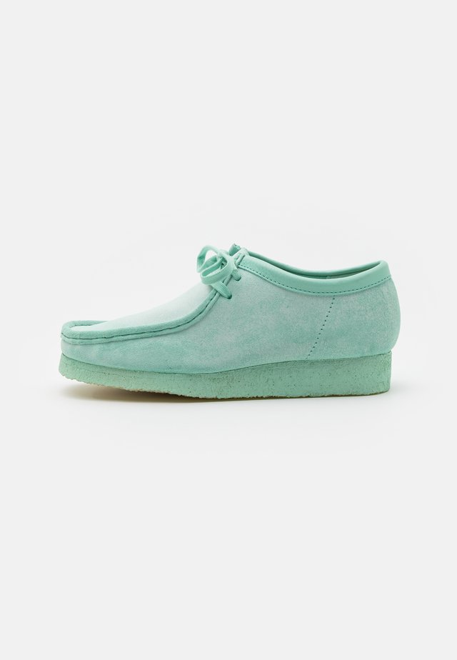 WALLABEE - Casual lace-ups - mint