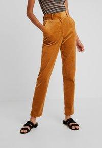 YAS - YASKATY PANT - Trousers - caramel café - 0
