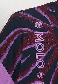 Molo - ODESSA - T-shirt imprimé - bordeaux/dark blue/lilac - 2