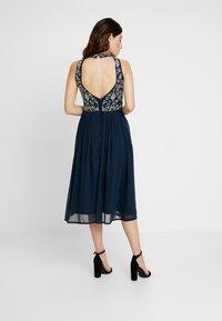 Lace & Beads Petite - ARNELLE DRESS - Robe de soirée - navy - 3