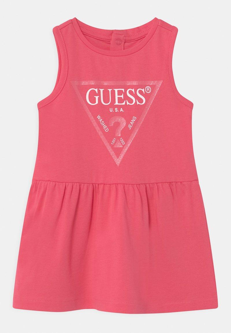 Guess - SLEVELESS - Jerseyjurk - rouge pink