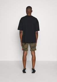 Alpha Industries - KEROSENE - Shorts - oliv - 2