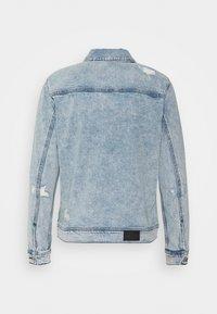 Hollister Co. - TRUCKER - Denim jacket - icy light wash - 1