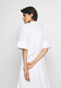 3.1 Phillip Lim - MULTIMEDIA DRESS PLEATED  - Košilové šaty - white - 4