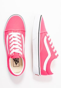 Vans - OLD SKOOL - Trainers - knockout pink/true white - 3