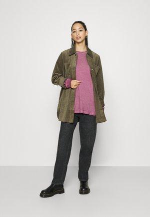 NATURE EAGLE SKATE - Long sleeved top - purple