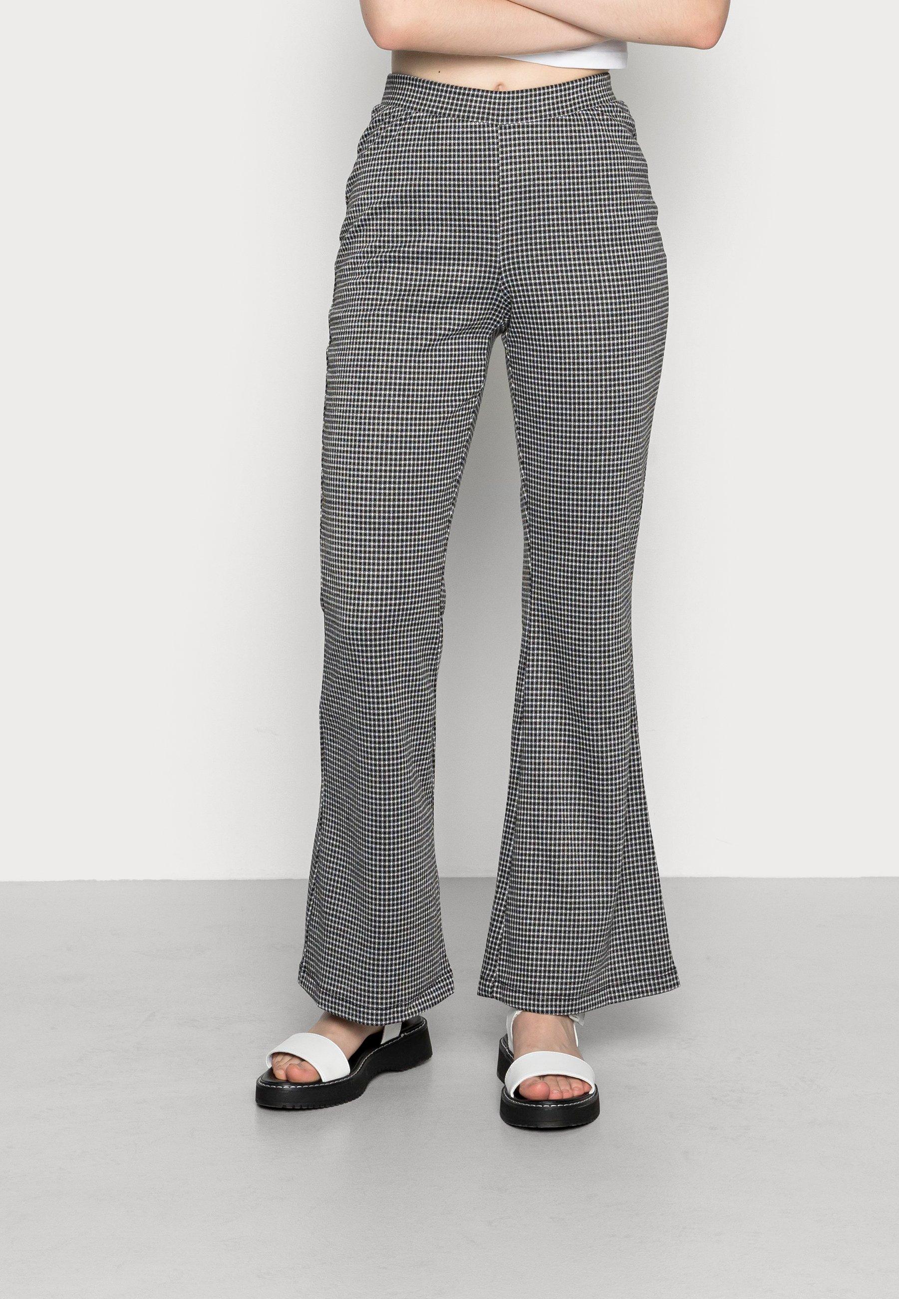 Damen ONLINA FLARED PANT - Stoffhose