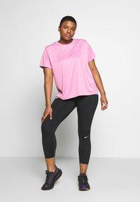 Nike Performance - DRY MILER PLUS - Basic T-shirt - magic flamingo/reflective silver - 1