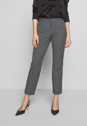 SLOAN SANDY STRIPE - Trousers - preppy navy