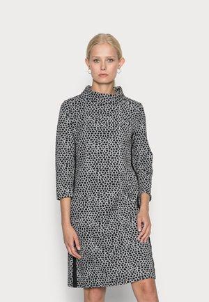DRESS  INTERLOCK - Sukienka z dżerseju - silvergrey