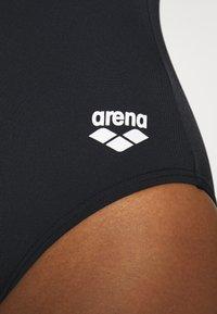 Arena - LOGO STRIPES V BACK ONE PIECE - Swimsuit - black/white - 5