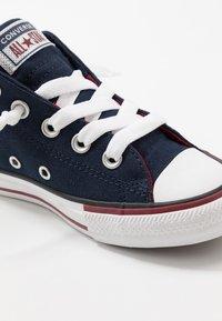 Converse - CHUCK TAYLOR ALL STAR STREET VARSITY MID - Zapatillas altas - obsidian/white/team red - 2