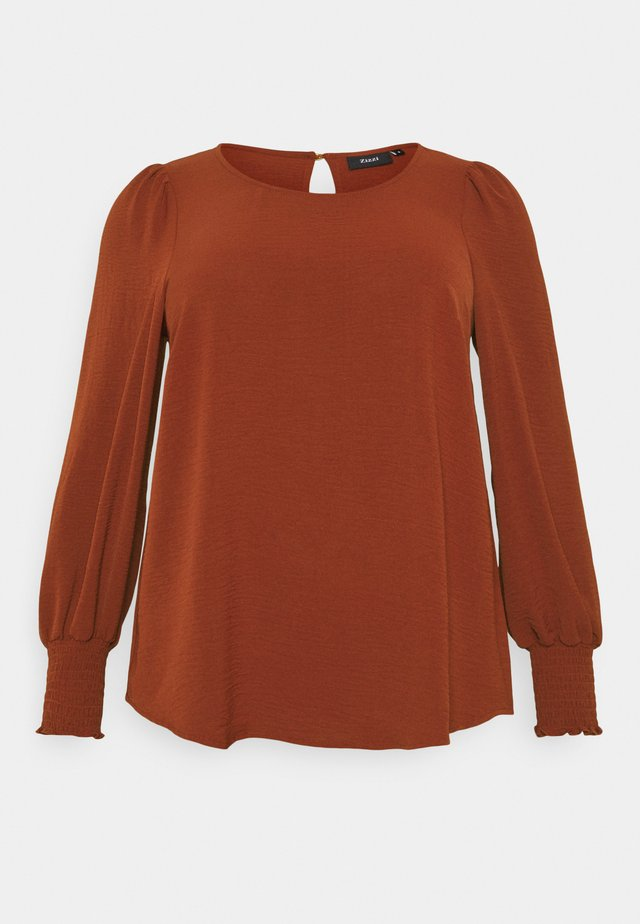XHANNU DETAIL BLOUSE - Topper langermet - fired brick