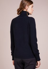 FTC Cashmere - ROLLNECK - Svetr - midnight - 2