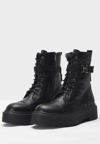 Inuovo - Lace-up ankle boots - black blk - 4
