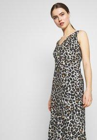 STUDIO ID - JULE DRESS - Denní šaty - beige - 3