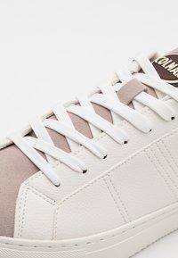 Colmar Originals - BRADBURY PLAIN - Trainers - white - 5