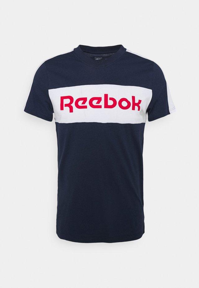 GRAPHIC TEE - T-shirts print - vecnav/white