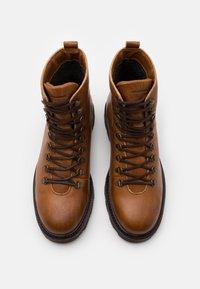 Royal RepubliQ - TEDIQ HIKER OXFORD COMBAT BOOT - Lace-up ankle boots - tan - 3